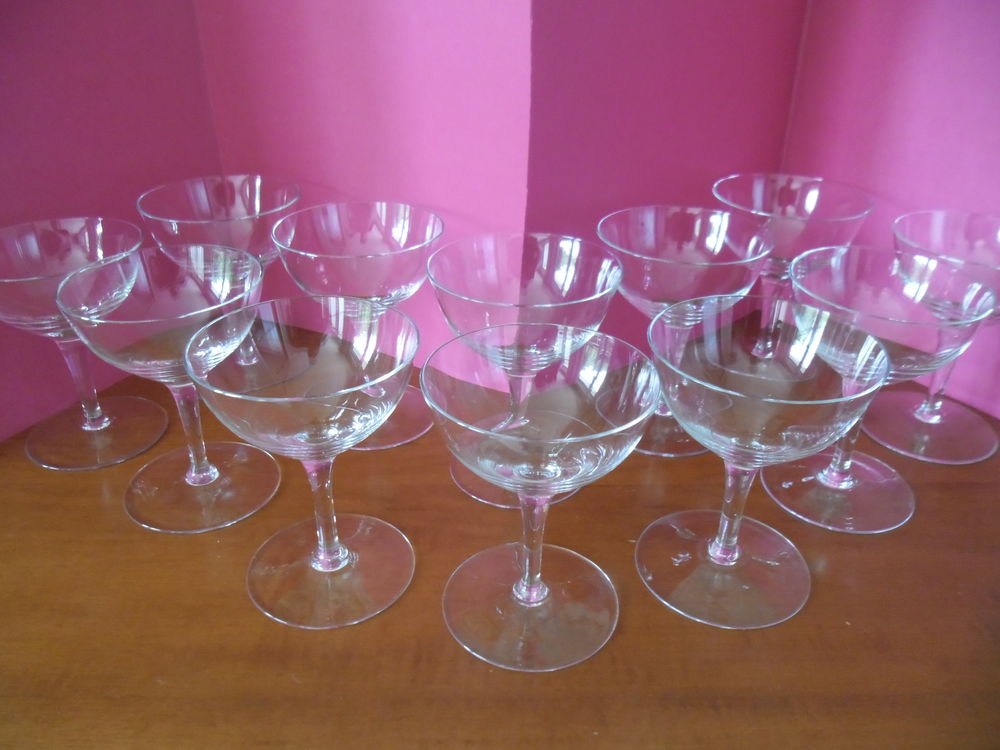 Coupes à Champagne (12) 20 Seclin (59)