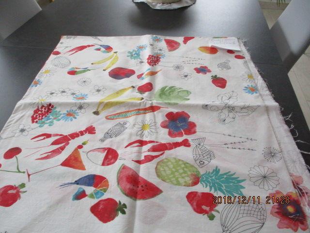 coupon tissus (fleurs fruits etc...) 25 Castres (81)