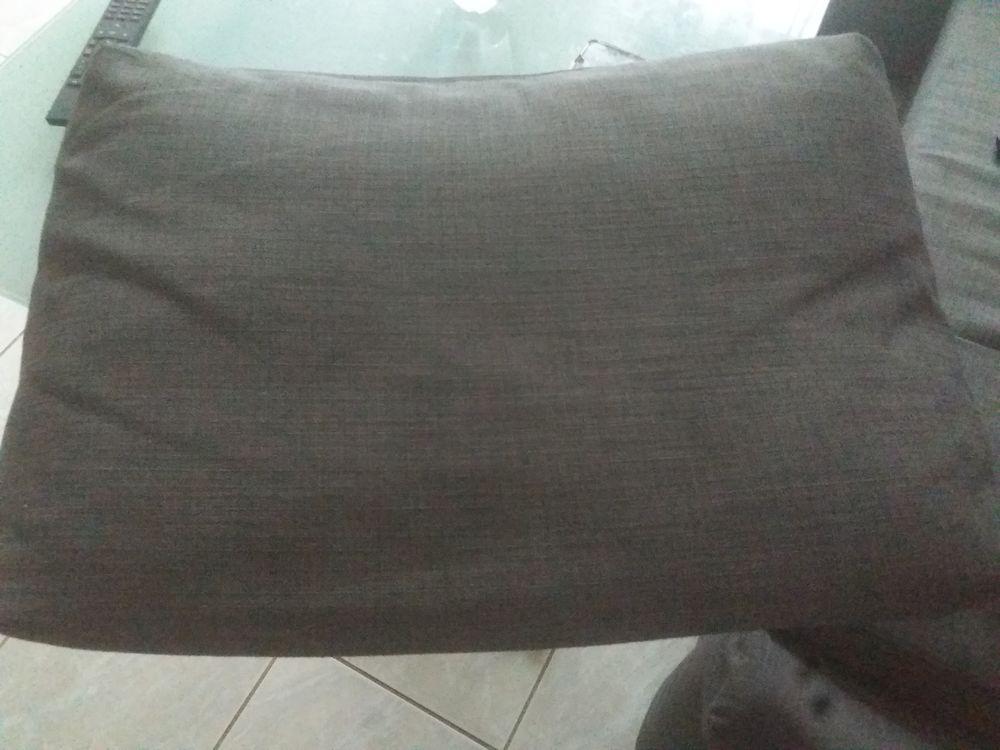Coussin de canapé x3 10 Vayres-sur-Essonne (91)