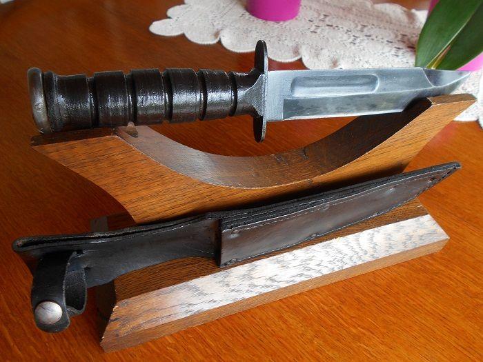Couteau Camillius de combat :dénommé officiellement MK2 178 Villebrumier (82)