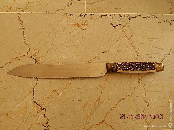 un couteau PRADEL 15 Lyon 3 (69)