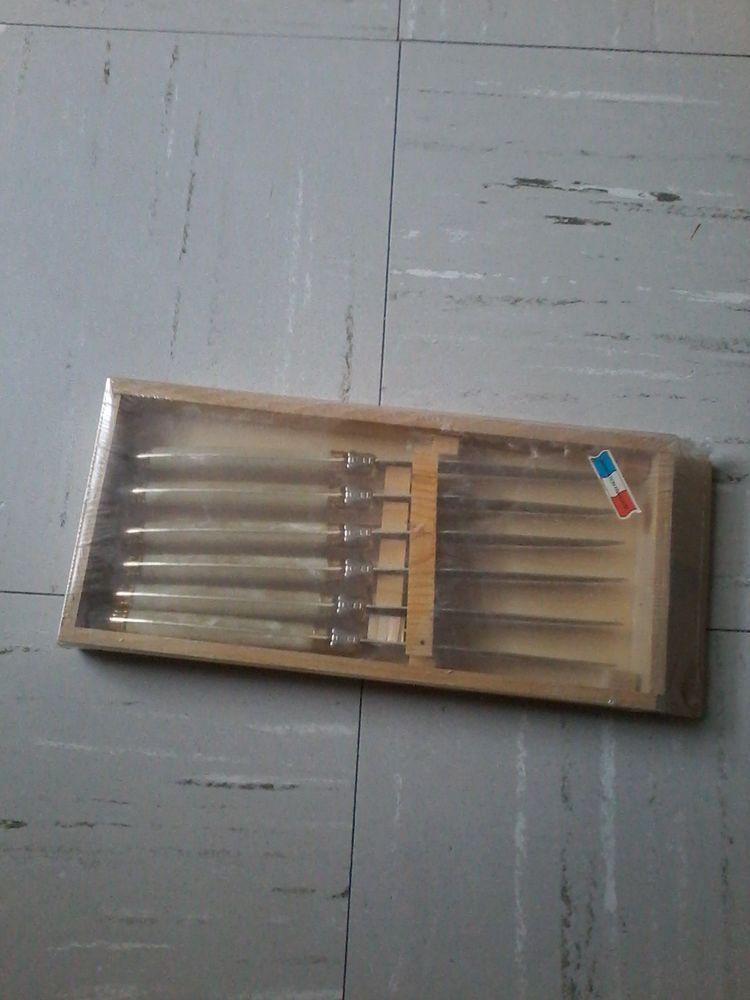 Couteaux  laguioles dans  coffret  25 Tourcoing (59)