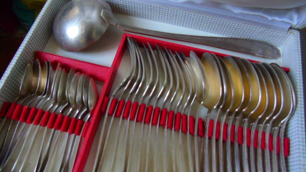 Couverts anciens métal argenté  100 Plérin (22)