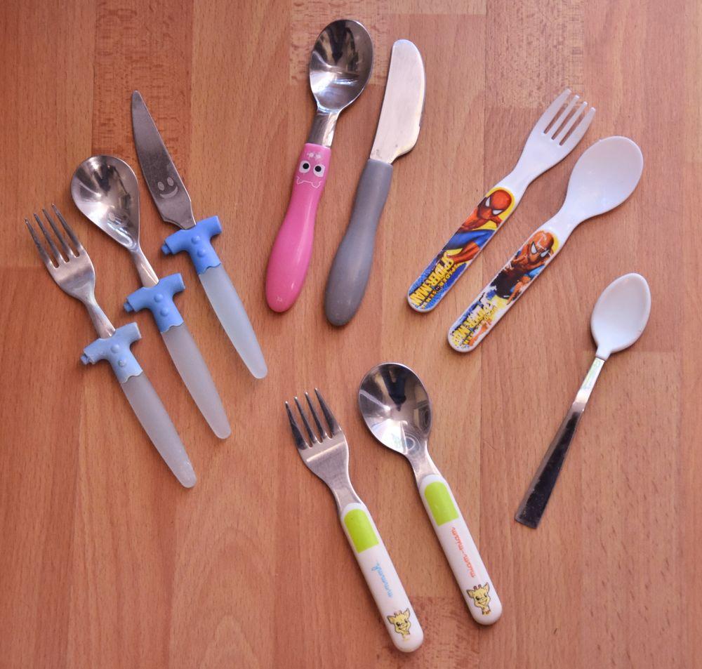 Lot de 10 couverts pour bébé.Cuillères,fourchettes,couteaux 10 Gujan-Mestras (33)