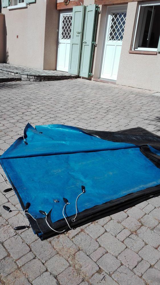 Couverture (bâche) de volet roulant de piscine 260 Saint-Étienne-les-Orgues (04)