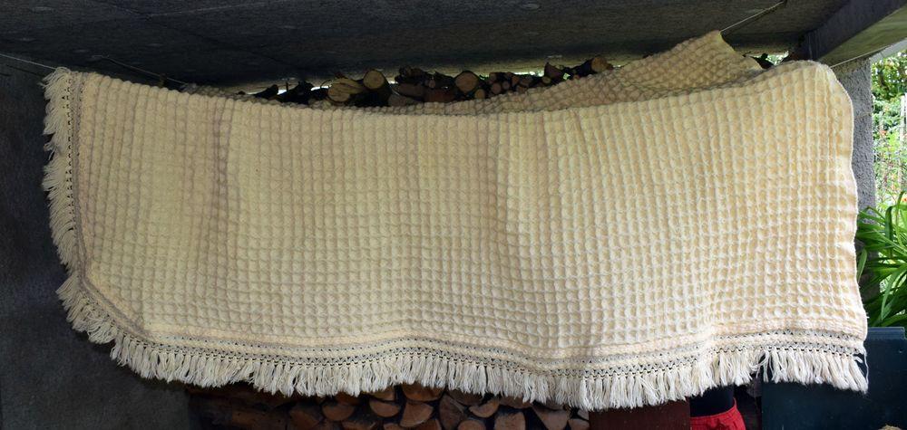 Achetez couvre lit en laine occasion, annonce vente à Kuttolsheim