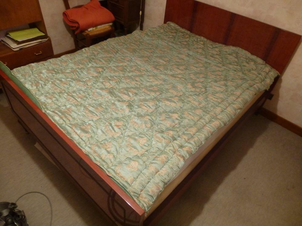 couvre lit  piqué remplissage duvet  50 Sémalens (81)