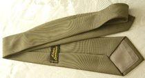 4 cravates de marque en excellent état 21 Versailles (78)