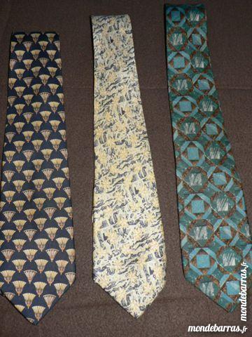 Cravates en soie CERRUTI 1881 et P BALMAIN 3 Bretignolles-sur-Mer (85)