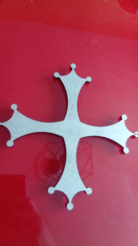 Croix occidentale métal  14 Castres (81)