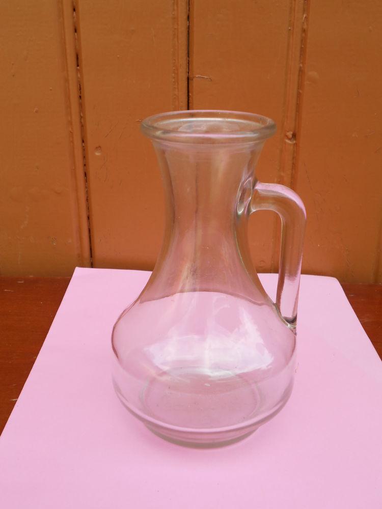 CRUCHE verre  10 Dammarie-les-Lys (77)