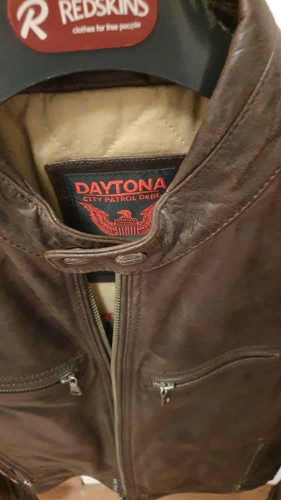 cuir marron marque dqytona et kaporal tabac 150 Paris 5 (75)