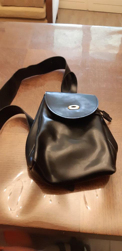 sac en cuir noir 50 Chârost (18)