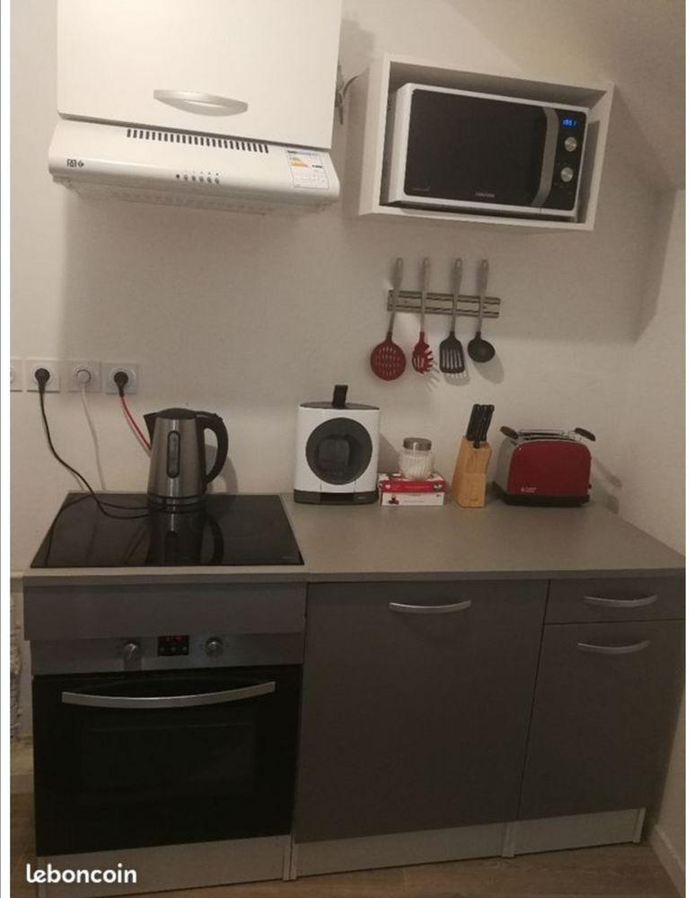 cuisine aménagé + électroménager Meubles