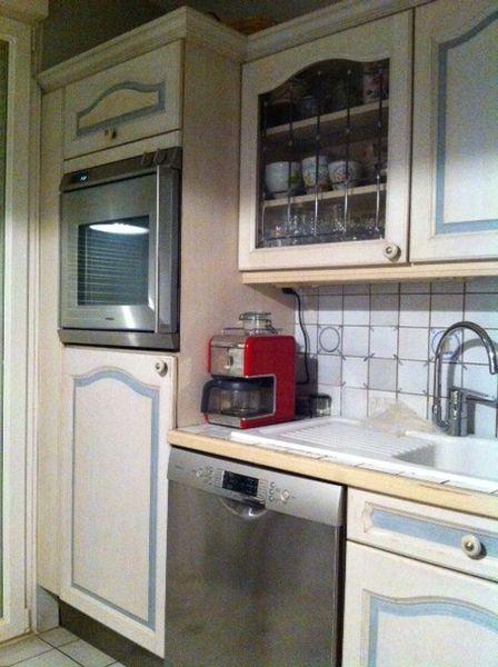 cuisine ceruse blanc une cuisine grise et blanche moderne design gris blanc http cuisine le. Black Bedroom Furniture Sets. Home Design Ideas