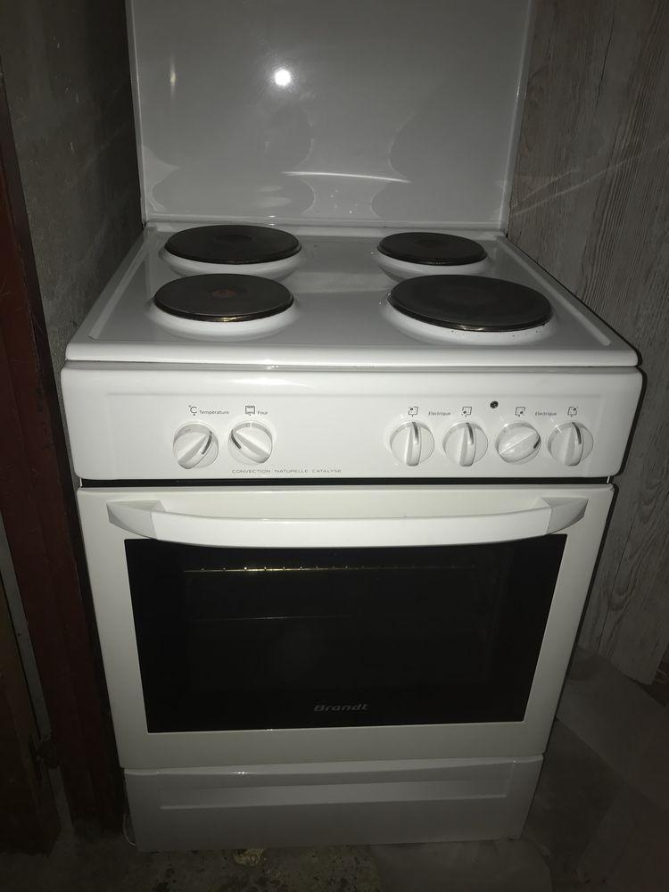 Cuisinière électronique  150 Avon (77)