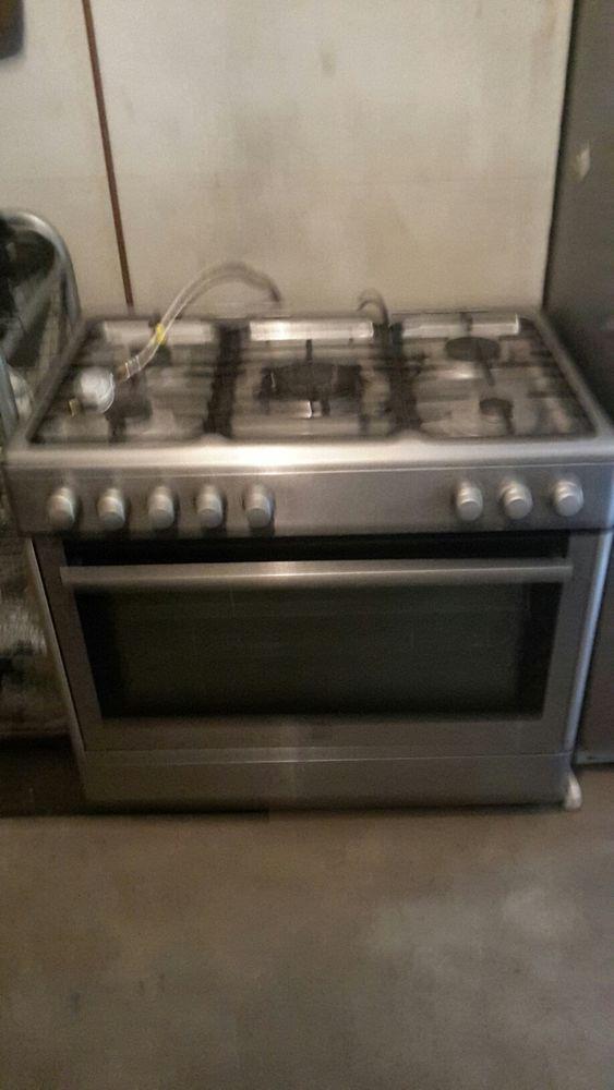 Cuisinière à gaz et four électrique 250 Dicy (89)