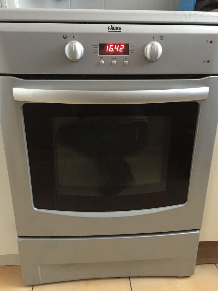 Cuisinière induction 3 feux 230 Trappes (78)