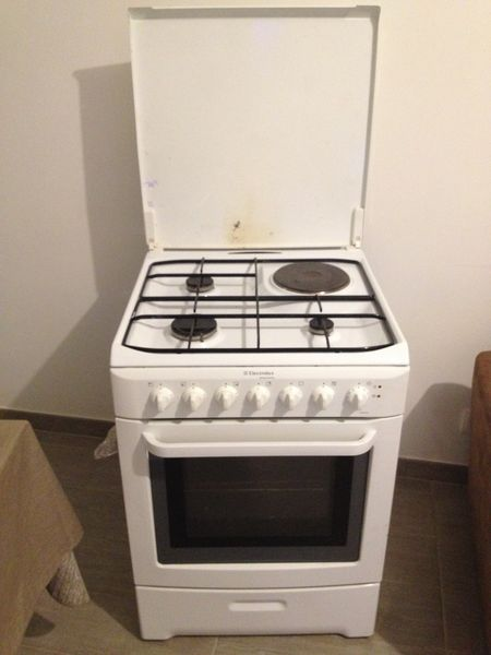 cuisini res gaz occasion dans le val de marne 94 annonces achat et vente de cuisini res. Black Bedroom Furniture Sets. Home Design Ideas