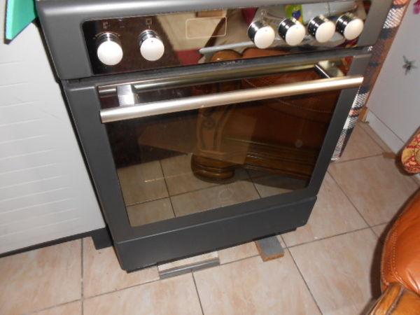 cuisiniere tout electrique 0 Laval (53)