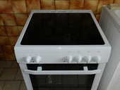 cuisinière vitrocéramique  Essentiel B   ( Boulanger ) 280 Cavillargues (30)