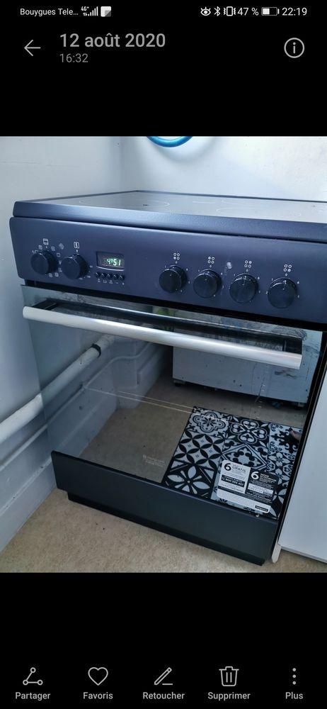 Cuisinière Vitrocéramique 4 foyers + four électrique  230 Plougoumelen (56)