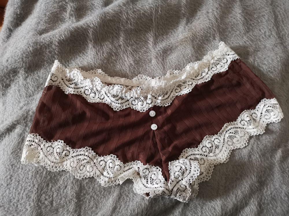 Culotte marron, blanc sans marque, taille M, neuve Vêtements