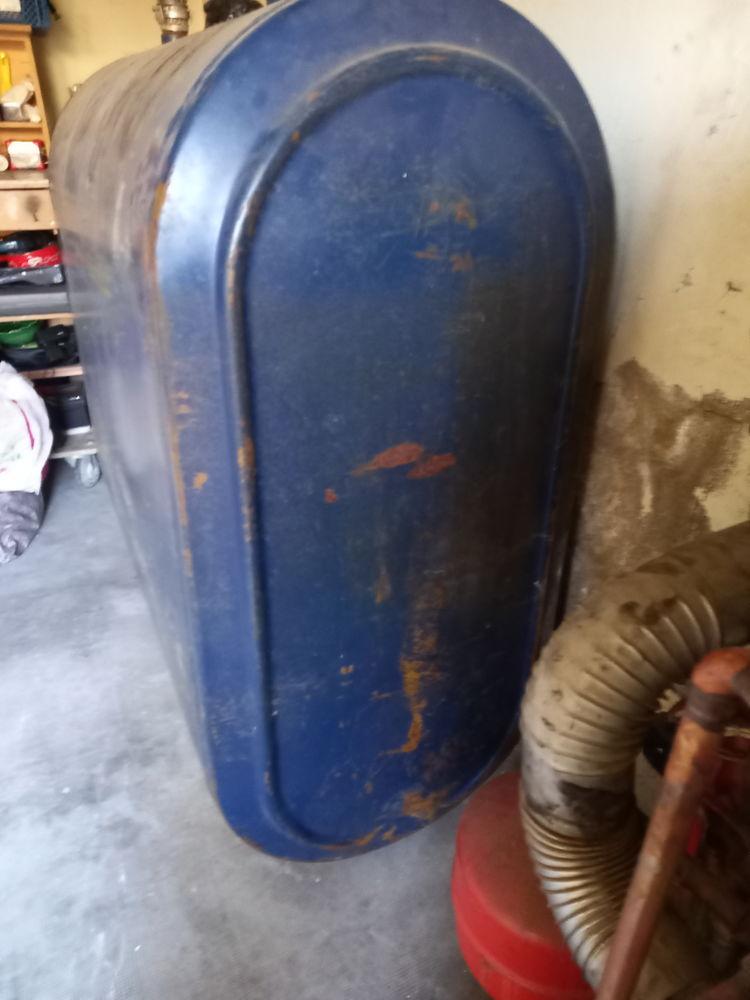 cuve a fioul vide 1000 litres  0 Saint-Hilaire-de-Clisson (44)