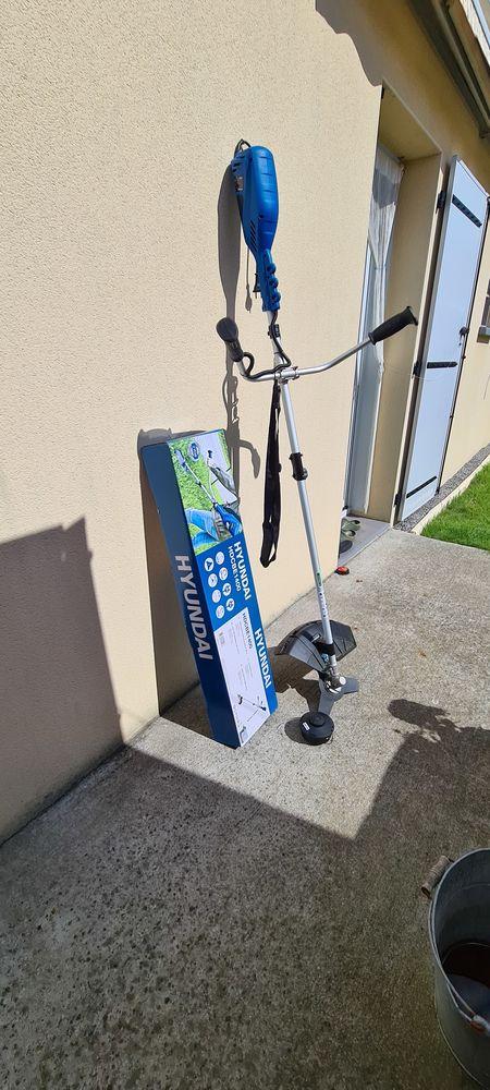 Debroussalleuse électrique neuve 65 La Plaine-sur-Mer (44)