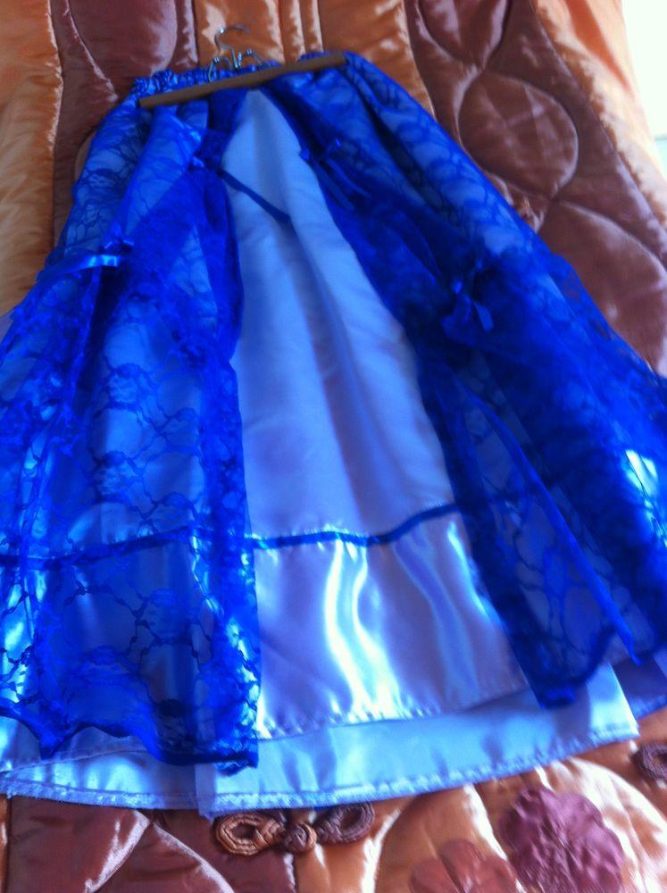 déguisement femme jupe + haut bleu 12 Vailhauquès (34)