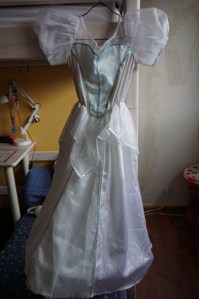 déguisement robe de mariée d'ARIEL - 10 ANS 30 Guyancourt (78)