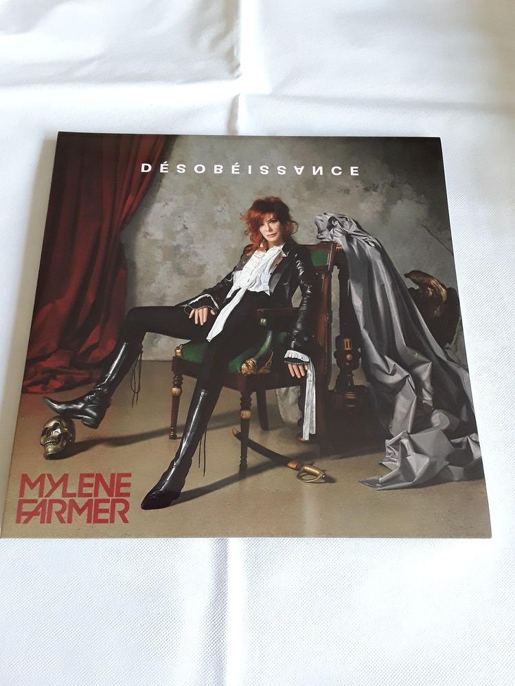 Dernier vinyle de  Mylène Farmer   Désobéissance   18 Sivry-Courtry (77)