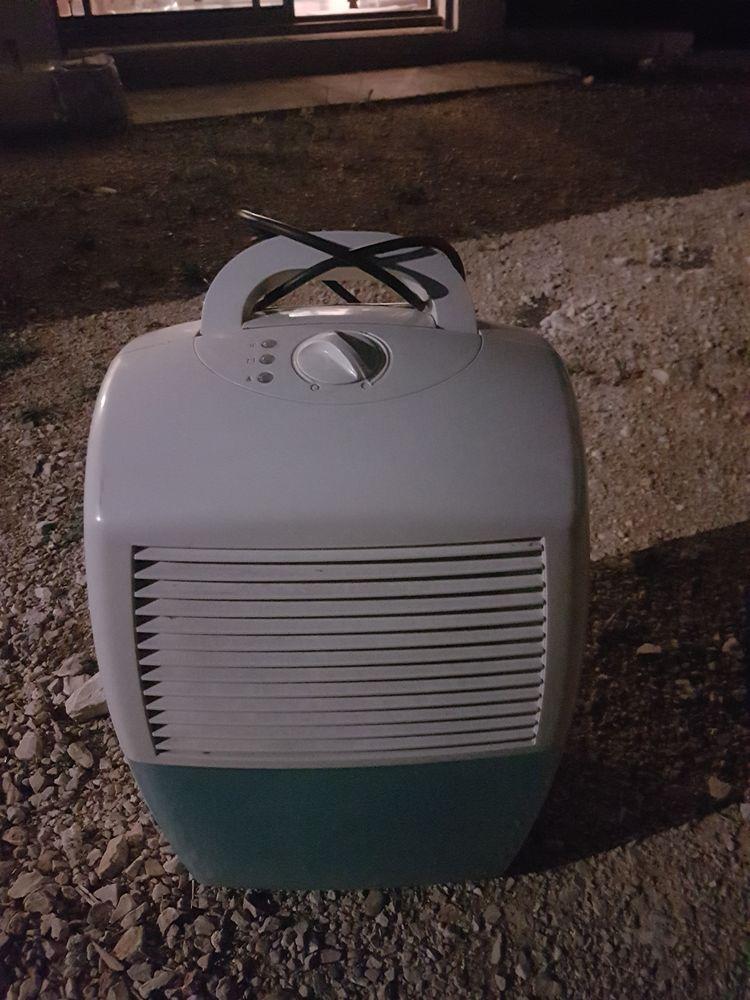Deshumidificateur électrique  49 Aubagne (13)