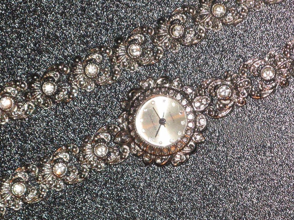LUC DESROCHES montre + bracelet parure dame baroque 1980 85 Metz (57)