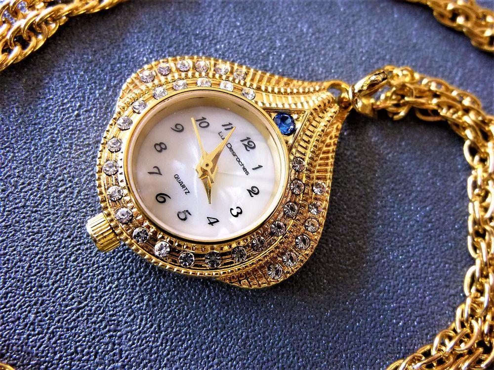 LUC DESROCHES montre pendentif Orientaliste Dame 1980 LDR100 85 Metz (57)