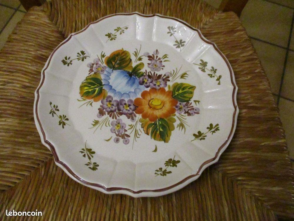 Deux assiettes murales céramique BASSANO diamètre 24/25 cm 0 Mérignies (59)