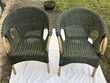 deux beaux fauteuilles en osier