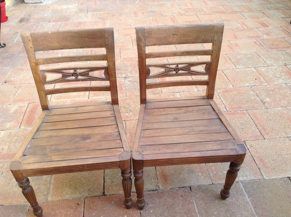 Deux chaises en teck massif 35 Toulon (83)