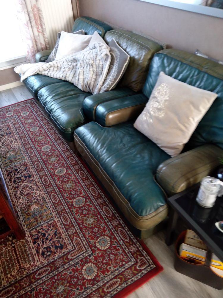 deux Fauteuils et un canapé deux places cuir center  50 Tinqueux (51)