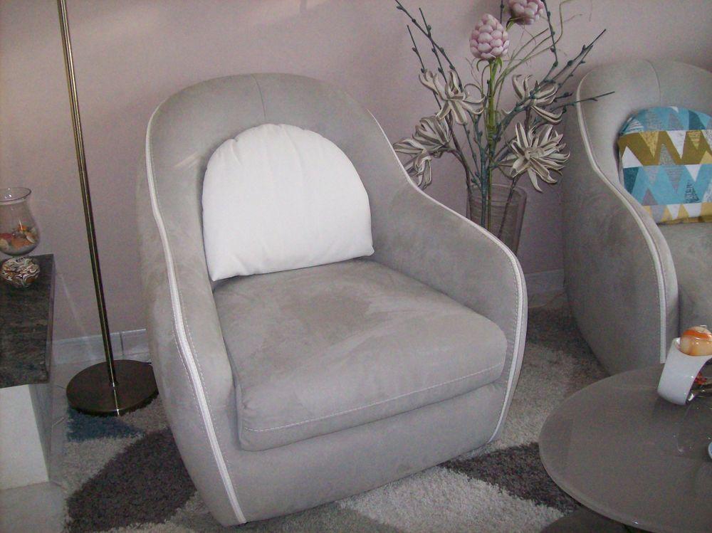 Deux fauteuils en excellent état 350 Saint-Jacques-de-la-Lande (35)