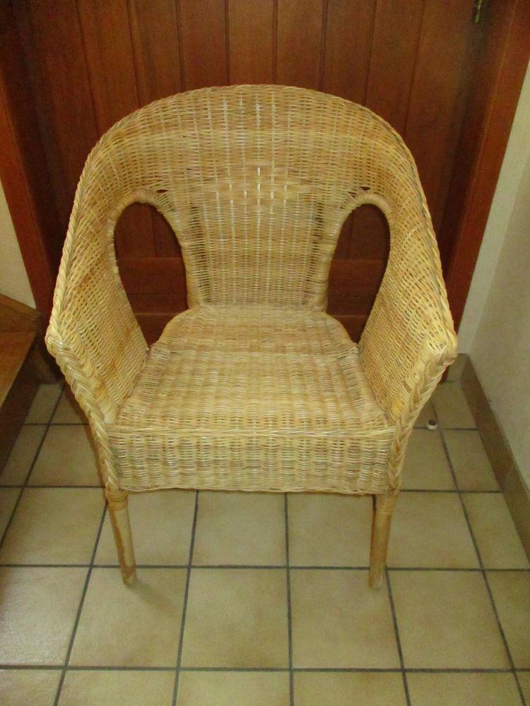 Deux fauteuils en osier vintage en très très bon état 0 Mérignies (59)