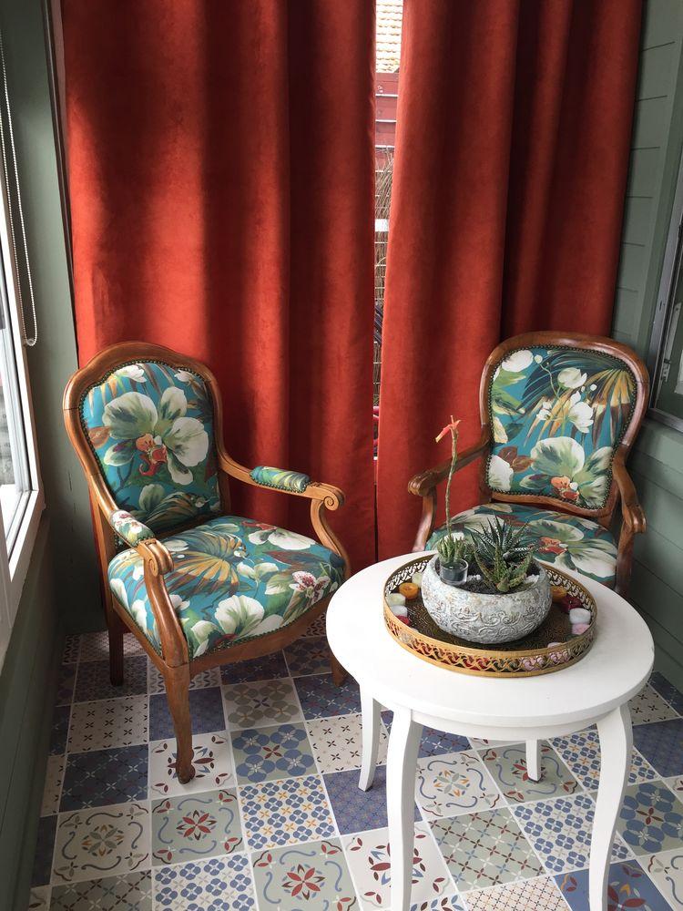Deux fauteuils style Louis XV 300 Lanton (33)