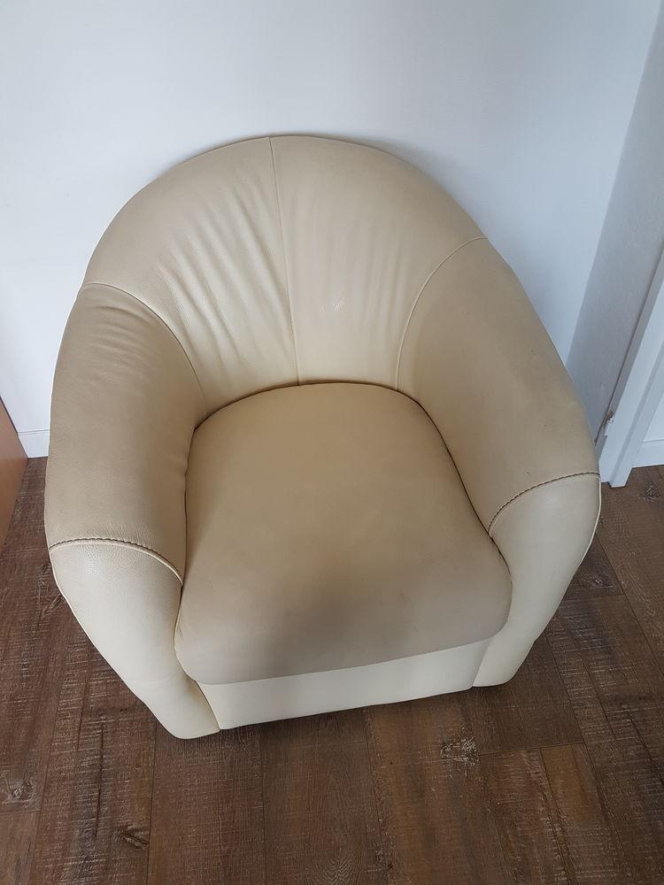 Deux fauteuils  150 Cannes (06)