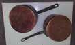 Deux grandes casseroles en cuivre Décoration