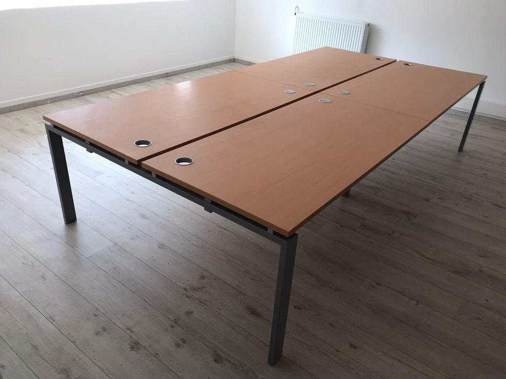 de deux grandes tables de bureau de coworking 700 Boulogne-Billancourt (92)