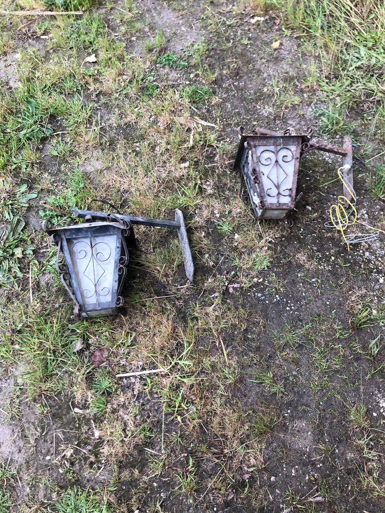 Deux lanternes extérieur 0 Baignes-Sainte-Radegonde (16)