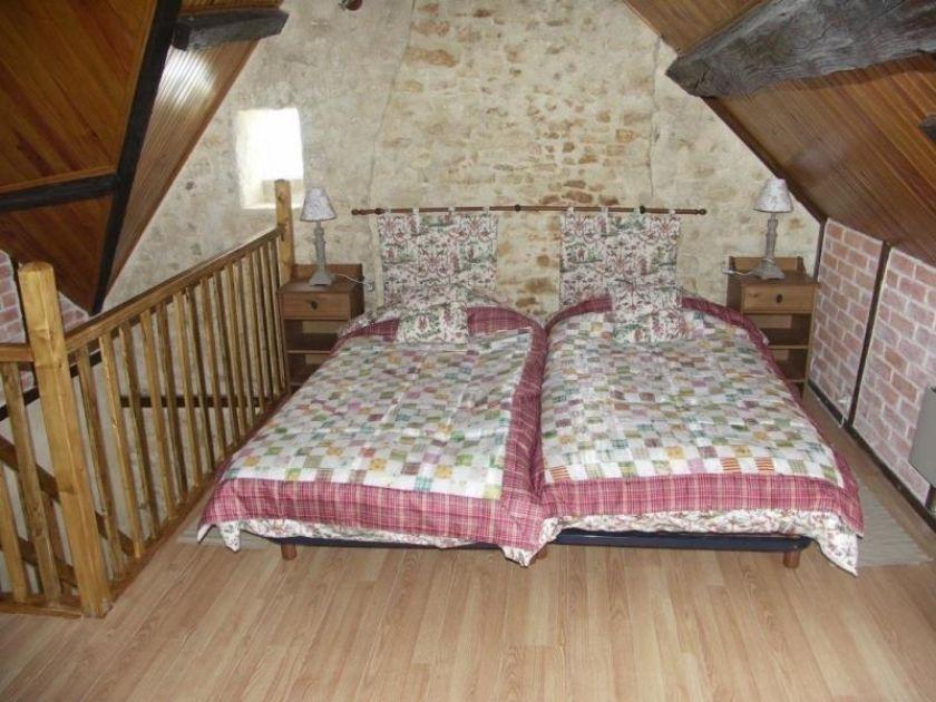 deux lits 1 place . 420 Gisay-la-Coudre (27)