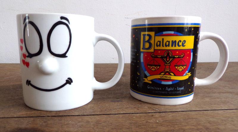 deux mugs fantaisie , visage et astrologie balance 2 Laval (53)