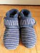 Deux paires de chaussons en TBE ISOTONER - 5 EUROS PIECE Chaussures enfants