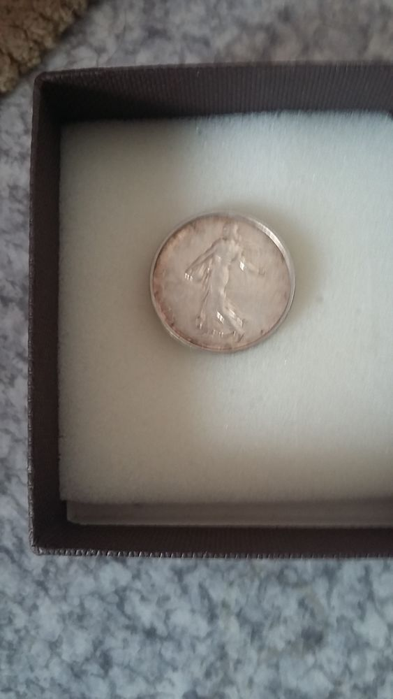 Deux pièces 5 francs année 1964 et 2004 50 Marseille 5 (13)